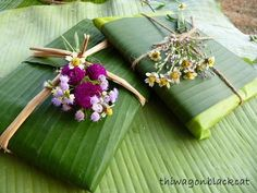 Deco Floral, Floral Design, Gift Wraping, Home Wedding Decorations, Key West Wedding, Food Packaging Design, Recycled Crafts, Flower Crafts, Floral Arrangements