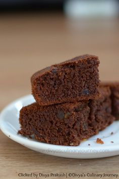 Wheat and Ragi Chocolate Cake Recipe - Egg less & Sugar less. Soft and moist chocolate cake made with finger millet flour and wheat flour and is sweetened with honey and jaggery. A guilt free dessert. Chocolate Pudding Desserts, Eggless Chocolate Cake, Eggless Desserts, Eggless Baking, Kid Desserts, Healthy Chocolate, Chocolate Chips, Baking Desserts, Chocolate Chocolate