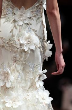 The details on this Claire Pettibone #wedding dress are to die for.