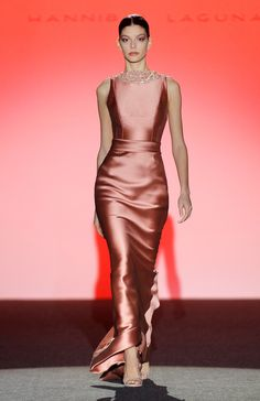 Sexy Formal Dresses, Satin Dresses, Elegant Dresses, Nice Dresses, Silky Dress, Dress Up, Winter 2017, Fall Winter, Hannibal Laguna