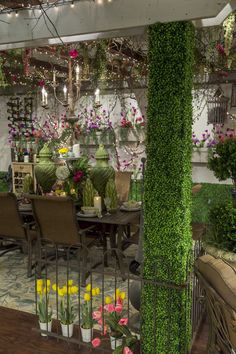 Who says your patio can't look as good as your living room? #OutdoorSouthernLiving #paito  #flowers