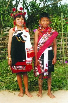 c90abfe17a 33 Best Amazing naga traditional dress images in 2013 | Traditional ...