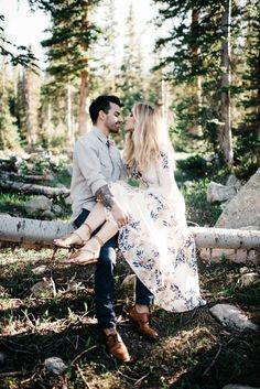 Cozy, Cute, Cool – 17 Fall Engagement Outfit Ideas | Blush Photography
