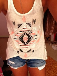 Cute Summer outfit for school! Peach black and white Tribal/ aztec shirt with shorts and necklace Spring Summer Fashion, Spring Outfits, Outfit Summer, Summer Shorts, Cute Summer Shirts, Dress Summer, Mode Style, Style Me, Aztec Scarves
