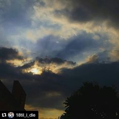 #Repost @18til_i_die with @repostapp To get featured tag your post with #talestreet. Colourful sky !! #skyporno#clouds#cloudphotography#nature#rays#sunset#shine#colours#naturegram#naturelover#natureaddict#instacapture#instanature#instaclouds#skyhigh#ig_worldclub#india_gram#ig_indiaclicks#dfordelhi#photo#photographyislifee#photograph#talestreet#delhigram#delhi_igers#delhidiaries#delhiwale#twitter