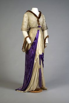Evening dress ca. usually like vintage dresses, but this just looks like a hot mess. A vintage hot mess. 1900s Fashion, Edwardian Fashion, Vintage Fashion, Vintage Gowns, Mode Vintage, Vintage Outfits, Antique Clothing, Historical Clothing, Mega Fashion