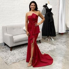 Shop the Stellina Gown by Samantha Rose at White Runway! A stunning full length gown featuring a strapless style bodice with bodice and waist detailing. Cheap Evening Dresses, Mermaid Evening Dresses, Wine Bridesmaid Dresses, Prom Dresses, Formal Gowns, Strapless Dress Formal, White Runway, Full Length Gowns, Luxury Dress