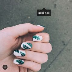 Nail art Christmas - the festive spirit on the nails. Over 70 creative ideas and tutorials - My Nails Cute Summer Nail Designs, Cute Summer Nails, Short Nail Designs, Cute Nails, Summery Nails, Summer Toenails, Summer Nails 2018, Cute Acrylic Nails, Acrylic Nail Designs