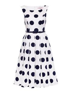 - Gorgeous polka-dot tea dress - Cotton elastane stretch dobby sateen - Midi length box pleat skirt - Side seam pockets - Sleeveless - Bra keepers - High scoop front neck - Centre back invisible zip - Patent tailored belt - Length: approx. Jw Fashion, Review Fashion, Fashion Dresses, Vintage Fashion, Vintage Inspired Dresses, Girly Outfits, Review Dresses, Occasion Wear, I Dress