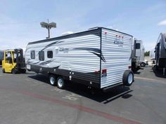 2016 New Forest River SALEM 261 BHXL, FRONT SLEEPER, REAR BUNKS,POWER PACKAGE Travel Trailer in California CA.Recreational Vehicle, rv, NO CHARGE FOR PDI OR PREP FEE'S! NEW 2016 FOREST RIVER SALEM CRUISE LITE 261 BHXL MODEL, 26 FT LONG PULL TRAVEL TRAILER, HALF TON TOWABLE! DRY WEIGHT 4314 LBS, REAR CORNER BUNK BEDS MODEL, FRONT SLEEPER, 56 GALLONS FRESH WATER, 6 GALLONS (GAS) DSI WATER HEATER, DUAL 7.5 GALLON PROPANE TANKS, UPGRADED POWER PACKAGE, ***UPGRADED POWER STABILIZER JACKS ON ALL 4…