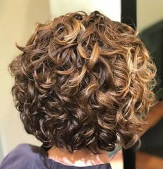 Short Curly Golden Bronde Hairstyle - April 28 2019 at Haircuts For Curly Hair, Curly Hair Cuts, Short Bob Hairstyles, Short Hair Cuts, Hairstyles 2018, Perms For Short Hair, Hairstyle Short, Short Curly Bob, Wedding Hairstyles