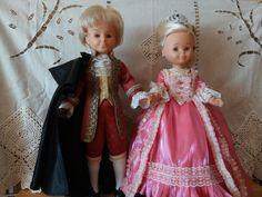 SIGLO XVIII. LUIS XVI Y MARIA ANTONIETA Luis Xvi, Barbie And Ken, Marie Antoinette, Dresses, Dress Shapes, 18th Century, Vintage Gowns, Costumes, Princesses