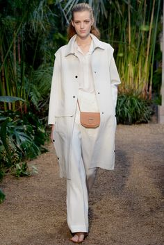 Hermès Spring 2014 Ready-to-Wear Fashion Show - Tao Okamoto