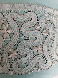 Ольга Смирнова showing the most common joinings Lace Braid, Bobbin Lace, Tape, Sewing, Antiques, Antiquities, Bobbin Lacemaking, Dressmaking, Antique