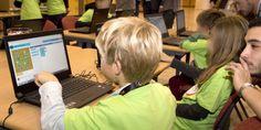BlendWebMix initie les enfants au code avec Blend Kids [Un enfant s'initiant au code lors du Blend Kids (Crédits : Laurent Cerino/ADE)]
