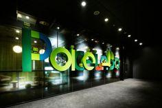 「株式会社ポケラボ」の環境 - Wall(ウォール) Office Entrance, Focal Wall, Studio Spaces, Walls, Neon Signs, Urban, Wands