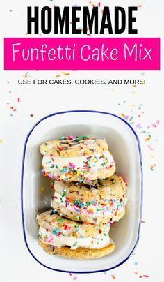 By applying the right ingredients, you can improve the way a Funfetti cake turns out. Seriously, a few changes makes box cake mix taste homemade! Cake Mix Recipes, Donut Recipes, Box Cake Mix, Funfetti Cake, How To Make Box, Sweet Treats, Yummy Food, Homemade, Baking