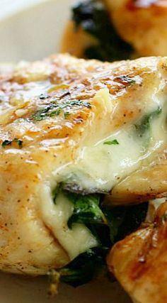 Spinach & Provolone Chicken Pinwheels ~ Seasoned chicken breasts stuffed with spinach and provolone all rolled up and grilled to perfection!