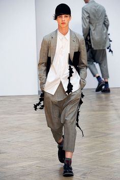 Comme des Garçons Spring 2010 Menswear - Collection - Gallery - Style.com