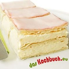 Cremeschnitten Cereal Recipes, Easy Cake Recipes, Just Desserts, Delicious Desserts, German Baking, Best Pancake Recipe, Easy Vanilla Cake Recipe, Cream Cheese Desserts, Austrian Recipes