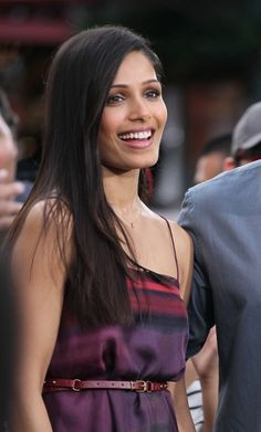 Freida Pintos shiny and sleek strands hair-beauty You Look Stunning, Absolutely Gorgeous, Beautiful, Freida Pinto, Isnt She Lovely, Celebs, Celebrities, Celebrity Hairstyles, Hair Dos