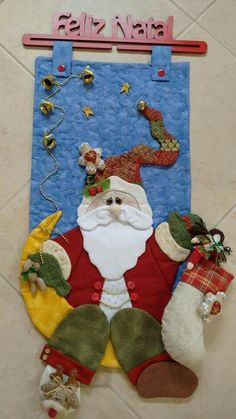 YVG gg Christmas Rock, Handmade Christmas, Merry Christmas, Wool Applique Patterns, Applique Quilts, Patchwork Quilting, Holiday Crafts, Holiday Decor, Santa Face