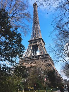 There are a few myths about Paris that I want to clear. I experienced positive things in Paris but I also found some things a little disappointing. I'm