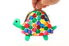 Cute green turtle clutch purse por misala en Etsy, $27.90