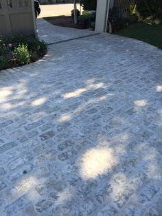 Landscaping Front Yard With Rocks Flagstone - Landscaping Ideas Videos For Backyard Concrete - - - Front Yard Patio, Front Yard Decor, Front Walkway, Garden Pool, Garden Paths, Bedford House, Entrance Ways, House Entrance, Small Backyard Landscaping