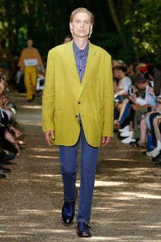 Balenciaga Spring-Summer 2018   Paris Fashion Week