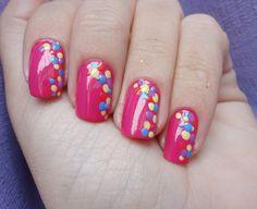 Unhas com bolinhas http://vilamulher.com.br/beleza/corpo/unhas-divertidas-com-bolinhas-2-1-13-1185.html #nails #unhas #nailsart #unhasdecoradas                                                                                                                                                      Mais