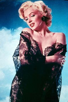 18 Stunning Color Photos of Marilyn Monroe Taken by Nickolas Muray in the early 1950s