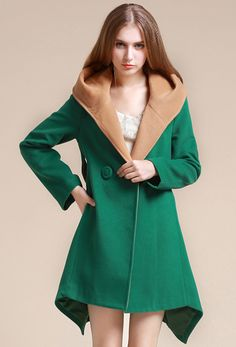 SheIn offers Green Long Sleeve Contrast Hooded Asymmetric Coat & more to fit your fashionable needs. Warm Outfits, Hot Outfits, Asymmetrical Coat, Gold Jacket, Beautiful Outfits, Beautiful Clothes, Fashion Colours, Couture, Online Shopping Clothes