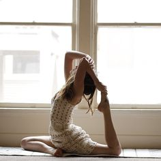 """stephynow: """"We forget how human we are. We lose sight of what we do and who we are. Sometimes we want love and connection so badly, we shout or stomp our feet. Begging to be heard or pronouncing that. Love Does Not Boast, People Dancing, Look Good Feel Good, Yoga Journal, My Yoga, Loving Your Body, Sport, Yoga Inspiration, Get Healthy"""