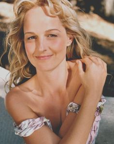 Helen Hunt plastic surgery ordeal started when she was 46 years of age. It was all meant to back roll time but it actually achieved the opposite because after Helen Hunt Age, Helen Hunt Young, Plastic Surgery Gone Wrong, Rebecca Miller, Beautiful Actresses, American Actress, Role Models, Actors & Actresses, Beautiful Women