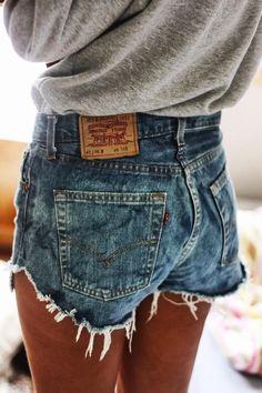 ❤️How To Make Mom Jeans In To Cute Shorts ❤️ shorts shorts shorts shorts outfits shorts Estilo Grunge, Grunge Fashion, Look Fashion, Fashion Women, Crazy Fashion, Fashion Trends, Trendy Fashion, Latest Fashion, Fashion 2016
