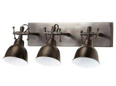 La tendance industrielle s'incruste jusque dans votre salle de bains avec cette suspension en métal vieilli, dotée de trois spots orientables. Suspension WARREN, H 11 x L 39 x P 35 cm : 99 € - Maisons du Monde