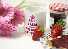 """Taza """"Keep calm. You are the mom of twins"""""""