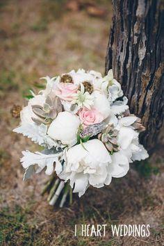 {Wedding Blooms} Image: I Heart Weddings