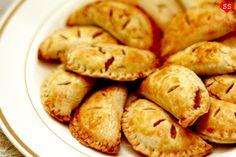 Harry Potter's Pumpkin Pasties (and recipe for Cornish Pasties too). @MacKenzie Ross, ya hear that?