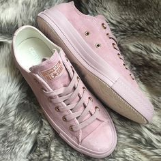 Lilac + Rose Gold Converse! Love these!