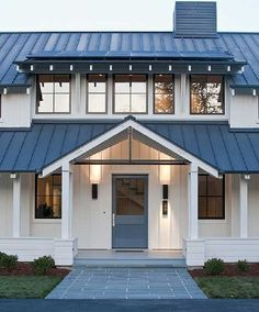 nice 60 Beautiful Modern Farmhouse Exterior Design https://homedecort.com/2017/05/beautiful-modern-farmhouse-exterior-design/