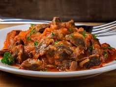 Chicken Gizzard served over white rice or mashed potatoes this healthy chicken gizzard stew is so nutritious and easy to make that consist of rich meaty flavor. Healthy Chicken, Fried Chicken, Chicken Recipes, Chicken Gizzards, Pollo Guisado, Asian Recipes, Ethnic Recipes, Stew, Seafood