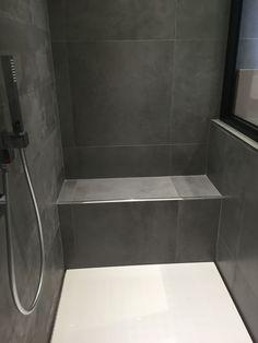 Idée pour un banc pour la douche de la salle de bain #sallesdebain…