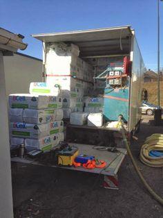 Veien til drømmebolig: Vi blåser inn 4 tonn isolasjon fra Icell.