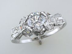 Art Deco 1.40 Carats Diamond and Platinum Engagement Ring