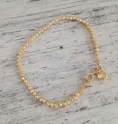 Stunning look very special an stylish, A beautiful bracelet with gold filled beads beads. This romantic gold bracelet is perfect for giving to a special someone or as a gift for yourself