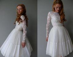 +++ 1950s wedding dress /  50s cupcake length lace ballet short wedding dress / by coralvintage +++ www.coralvintage.etsy.com