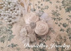 Champagne and Ivory  Vintage Clip/Vintage by Daniellasjewels, $28.95