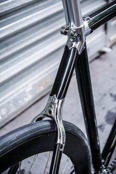 Loving the lugs:  PIGNON FIXE - La Bicyclette Velos d'hier et d'aujourd'hui